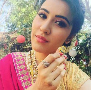 Foto dan Profil Sheena Bajaj (Aditi) Serial Thapki ANTV