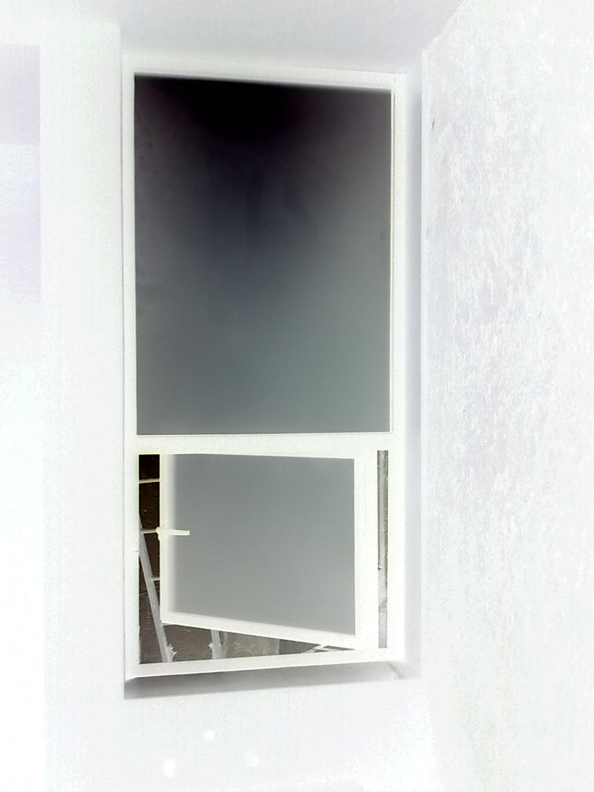 Vidrier a palo solo ventanas for Barandales de aluminio blanco