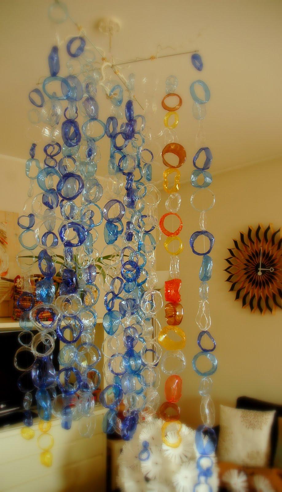 Bricolage Con Bottiglie Di Plastica.Ork Idea Atelier Tutorial Un Mobile Di Cerchi In Plastica Fai Da