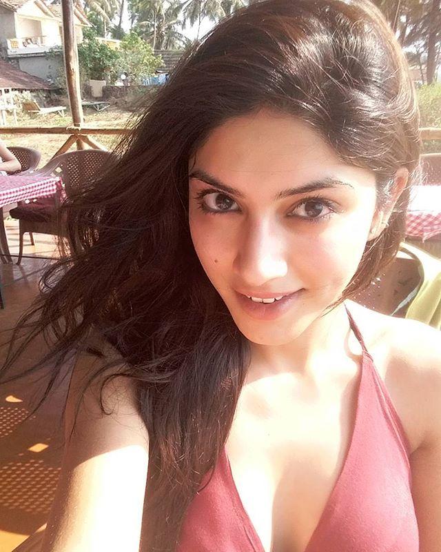 bollywood actresses sapna pabbi share photos