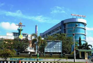 RS Keluarga Sehat adalah rumah sakit swasta kelas C. Rumah sakit ini mampu memberikan pelayanan kedokeran spesialis terbatas. Rumah sakit ini juga menampung pelayanan rujukan dari puskesmas.