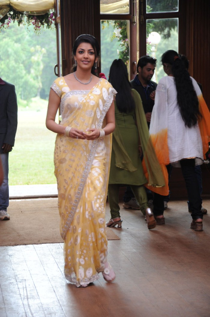 Glamours South Indian Girl Kajal Agarwal Hot Photos In Designer Yellow Saree