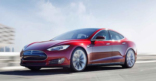 Tesla 自動駕駛的機器學習能力驚人,車主:它每天都在進化!