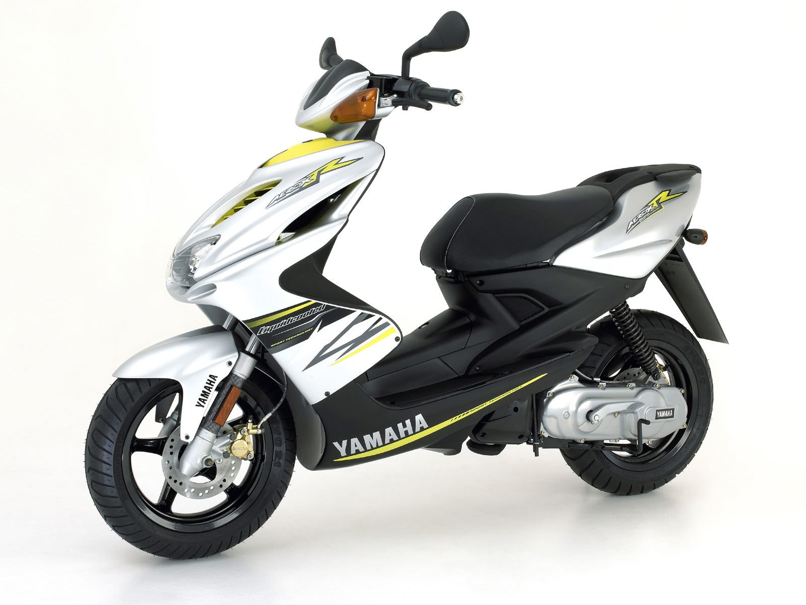 2006 yamaha yq 50 aerox r pictures super moto and sexy girls. Black Bedroom Furniture Sets. Home Design Ideas