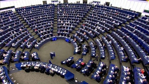 Az Európai Parlament támogatja az uniós kifizetések jogállamisági feltételekhez kötését