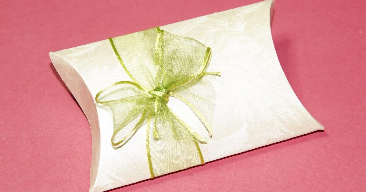 basteln und mehr geschenkverpackung basteln anleitung f r eine pillow box. Black Bedroom Furniture Sets. Home Design Ideas