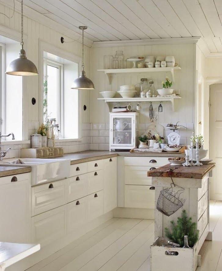 kuchnia, kitchen, design, kitchen design, styl prowansalski, kuchnia w stylu prowansalskim, kuchnia w stylu skandynawskim, scandinavian kitchen, scandi kitchen, skandynawska kuchnia, biała kuchnia z brązowymi blatami, biała kuchnia z drewnianymi blatami, drewniany blat w kuchni, biało drewniania kuchnia