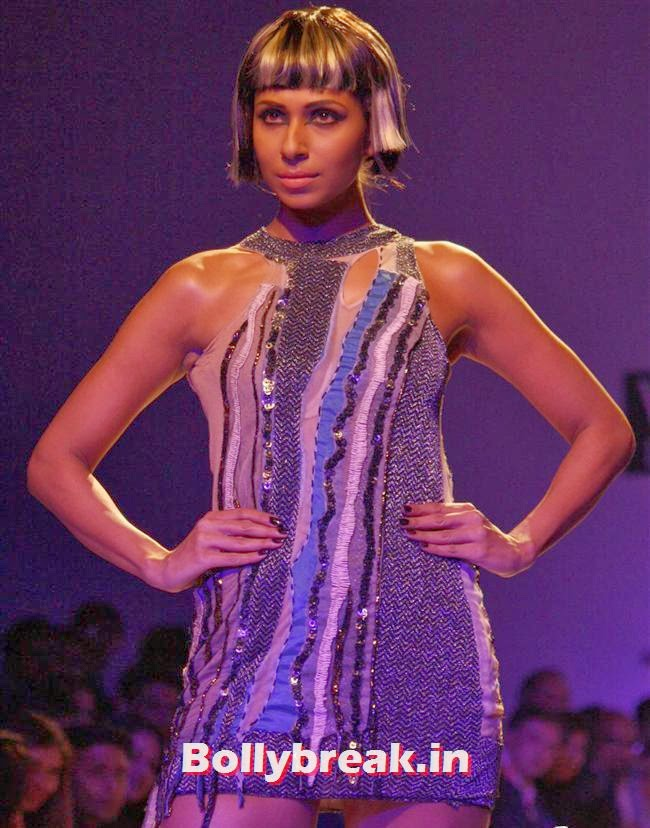 Candice Pinto, Shilpa Shetty walks at Wills India Fashion Week 2014
