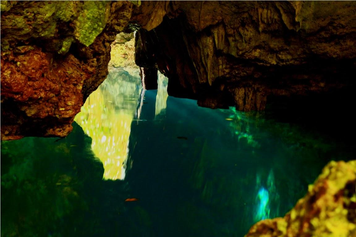 Goa Haji Mangku, terdapat kolam luas dan dalam setelah melewati Goa ini
