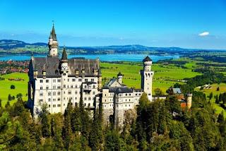 7 Kastil Paling Megah yang Pernah Ada di Dunia