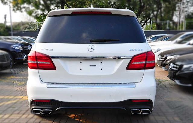 Đuôi xe Mercedes AMG GLS 63 4MATIC 2018 thiết kế lôi cuốn với các đường cong mềm mại
