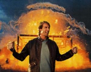 michael bay explosion - Michael Bay producira Zombies vs Robots