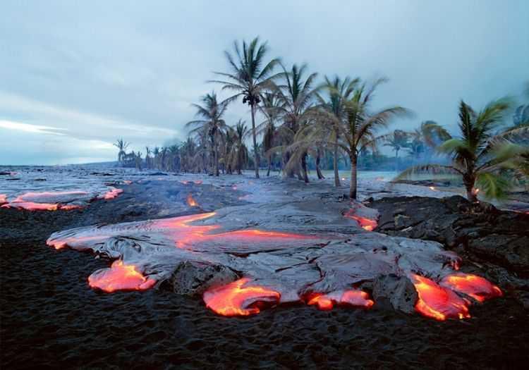 Kiauea plajı hiç şüphesiz dünyadaki en tehlikeli halk plajlarından biridir.