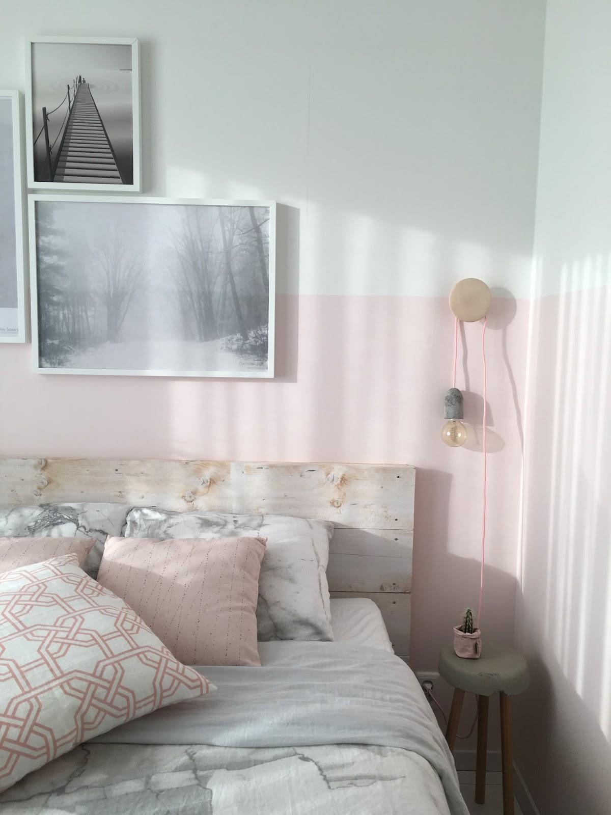 StyledbyEve: Slaapkamer make over | roze lambrisering
