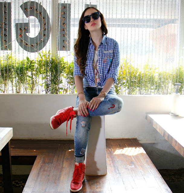 ONLY Knotted Up Check Shirt, Distressed Patch-work Jeans, Casual Chic Look, Nike Sky Dunk Hi