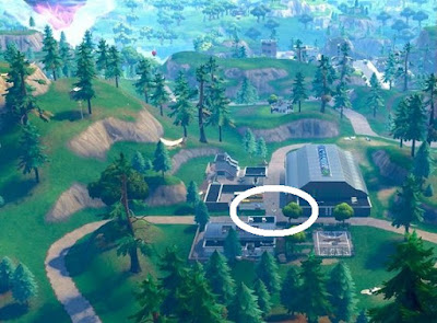 Streetlight Spotlight Location, Tilted Towers, Fortnite, Season 6 Week 1