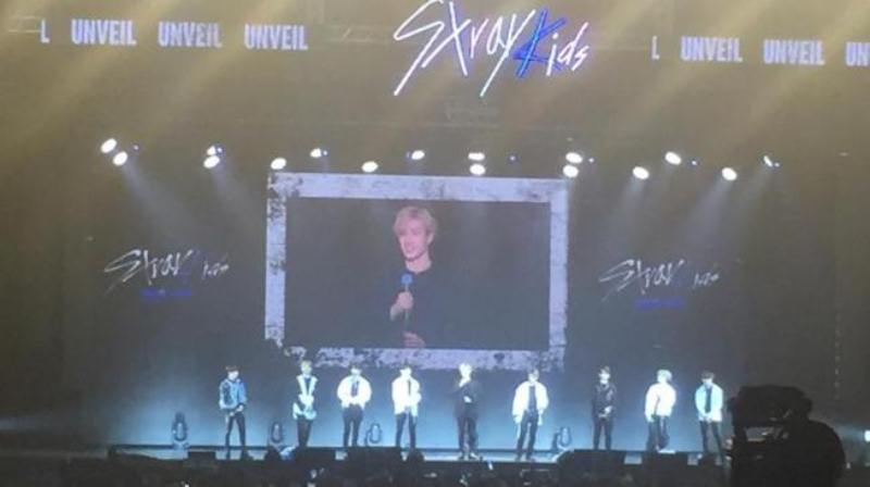 Penonton Sukses Bikin Boyband K-Pop Stray Kids Terharu dalam Konser di Indonesia