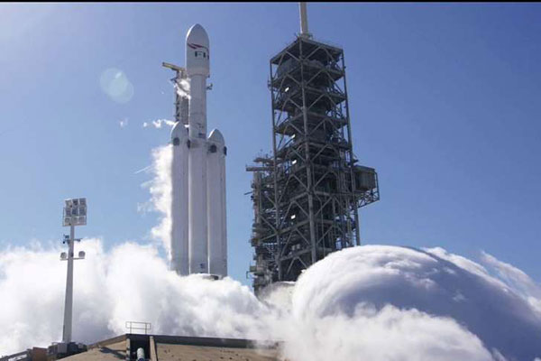 SpaceX Falcon Heavy static test on January 24 (Courtesy Hearst Communications, Inc)