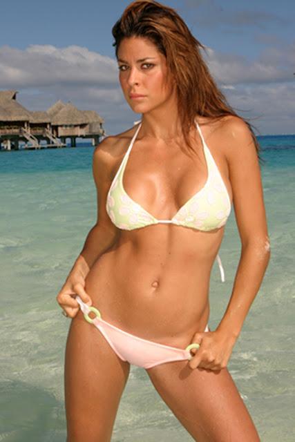 Morena baccarin nipples