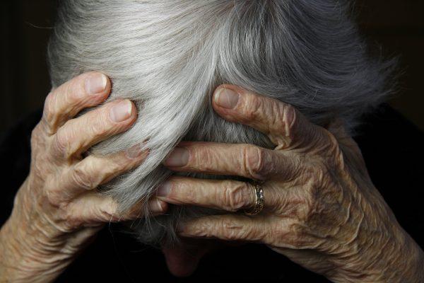 Τρόμος για 80χρονη στην Πιερία από επιδρομή ληστών μέσα στο σπίτι της