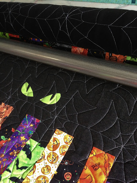 spider web quilting on Fright Night by QuiltFabrication
