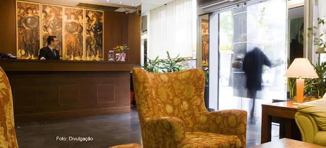 Sala de estar e recepção do Hotel Arethusa, Atenas