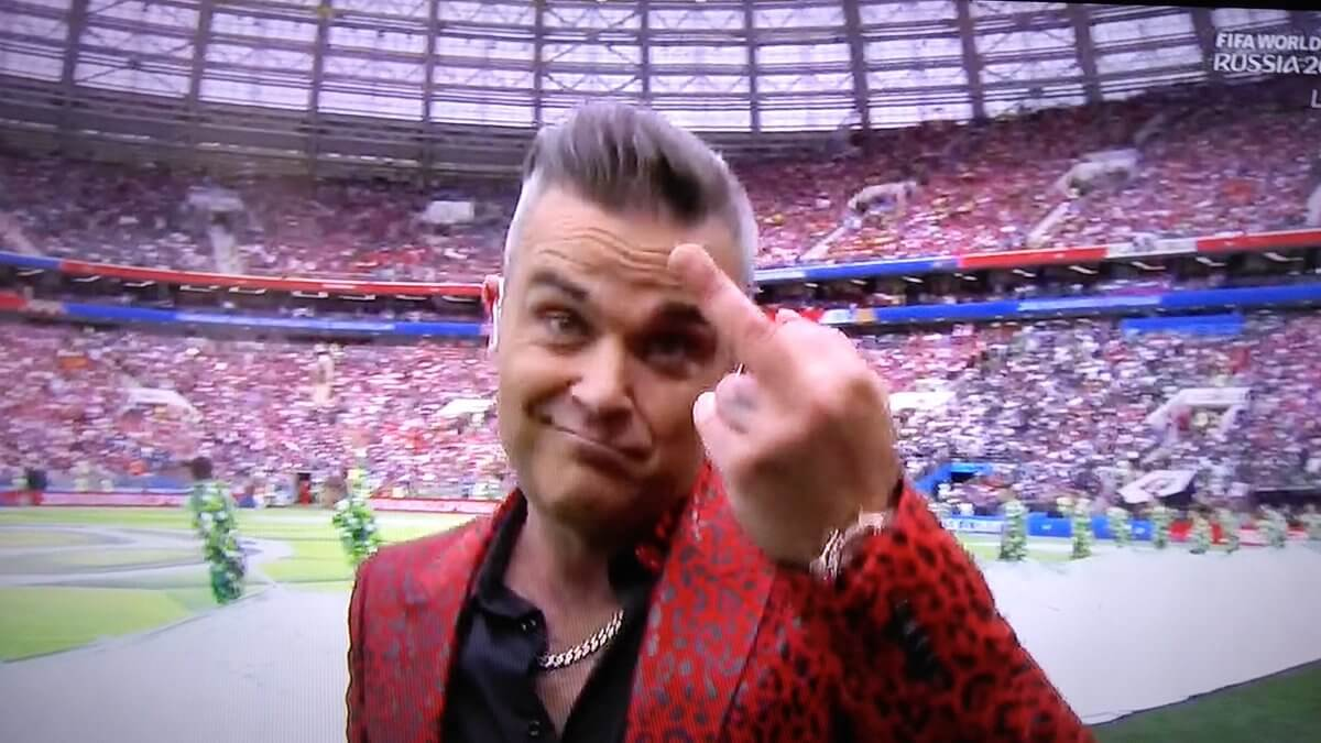 Robbie Williams, flipped off the World during the World Cup opening ceremony (Video)