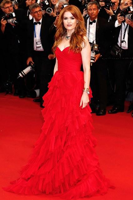 Milla Jovovich : Son make-up nude au défilé Armani Privé