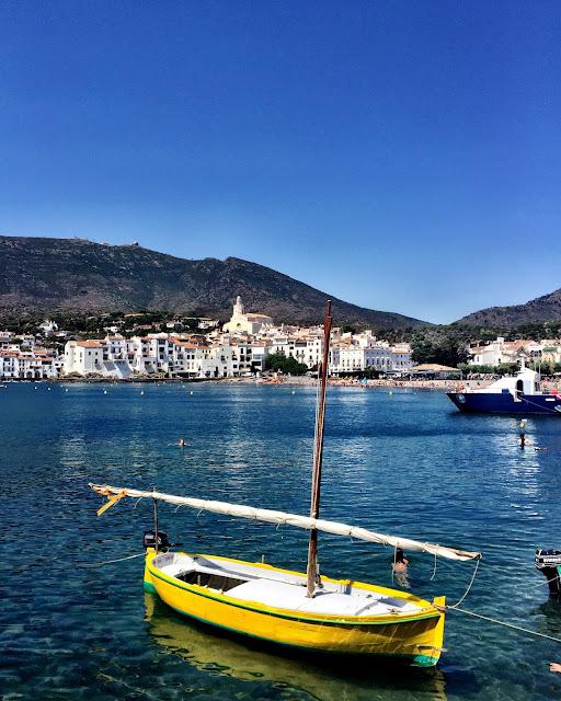 barca había de Cadaqués Costa Brava
