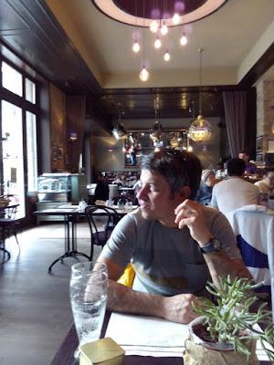 restaurante-plaza-parlamento-budapest-hungria