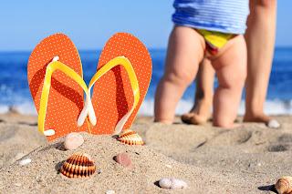 bañar al bebé en el mar o en la piscina