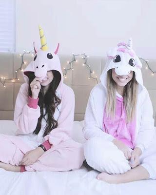 pijama de unicornio poses amigas