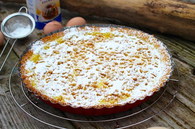 Torta-con-crema-e-pinoli