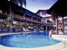 Kolam renang Surya pesona beach hotel