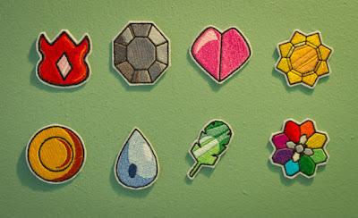 Resultado de imagen de medallas pokemon hechas con cartón y papel