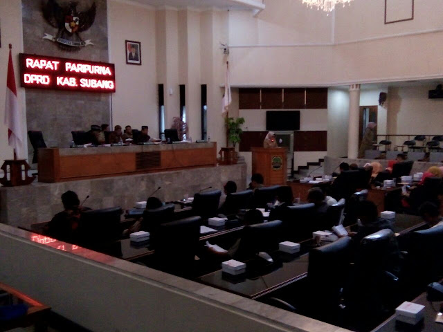 Penyampaian Nota Pengantar Eksekutif Terhadap RAPBD Kab. Subang Tahun 2017