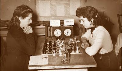 Campeonato Femenino de Ajedrez de Catalunya 1955, partida Puget-Camats