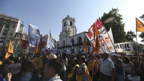 Abogados: Reforma laboral de Macri beneficia a empresarios