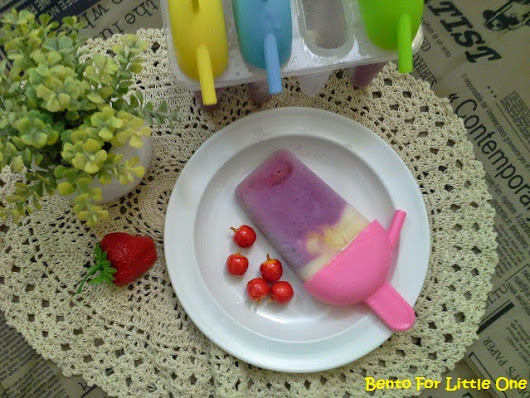 Bento for Little One: Summer Blueberry Yogurt Popsicle