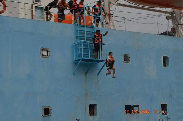 Ship jumping