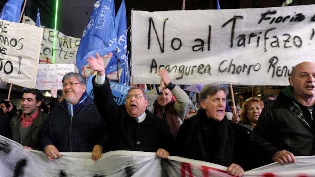 """En un revés a Macri, Corte Suprema de Argentina anula """"tarifazo"""""""
