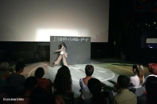 actuacion fabrica arte cubano la habana cuba