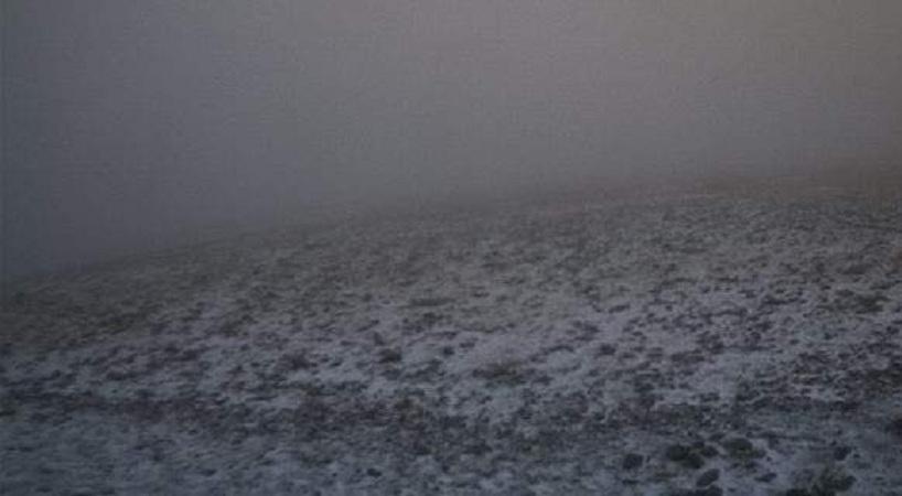 Απίστευτο!!! Χιονίζει στον Όλυμπο και στο Καϊμακτσαλάν! (Φωτό–Βίντεο)