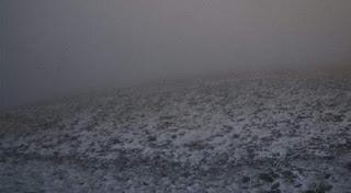 Απίστευτο! Χιονίζει στον Όλυμπο και το Καϊμακτσαλάν