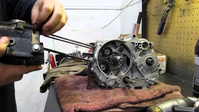 Cara Mudah Memperbaiki Mesin Sepeda Motor Satu Silinder dan Multi Silinder