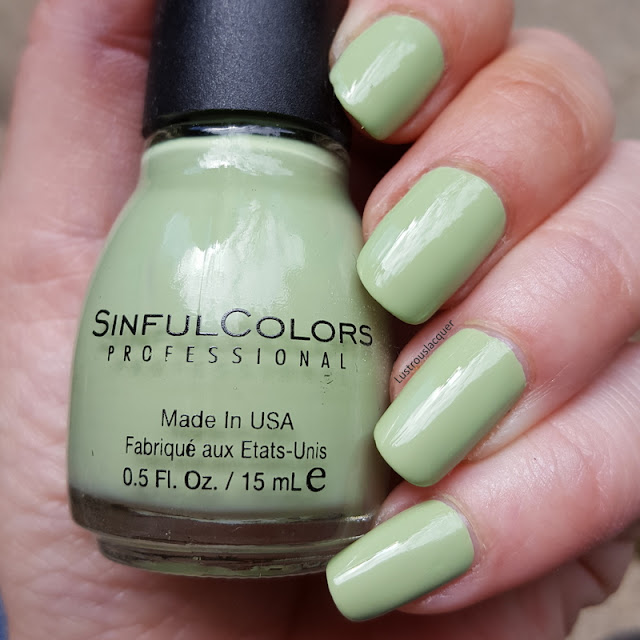 pale-mint-green-creme-nail-polish