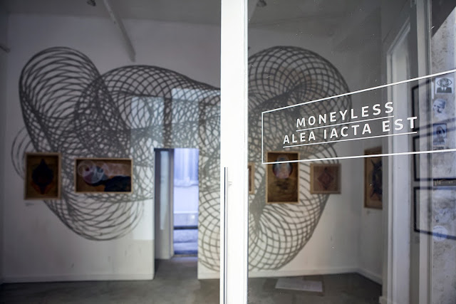 A few days ago, Italian Street Artist Moneyless opened his new solo show at 999Contemporary in Rome, Italy. 8