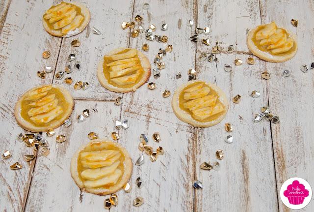 Tartelettes aux pommes et tablier personnalisé