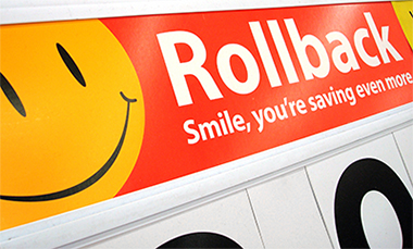 2258c755996 Um dos principais símbolos dessa filosofia do WALMART é o SMILEY