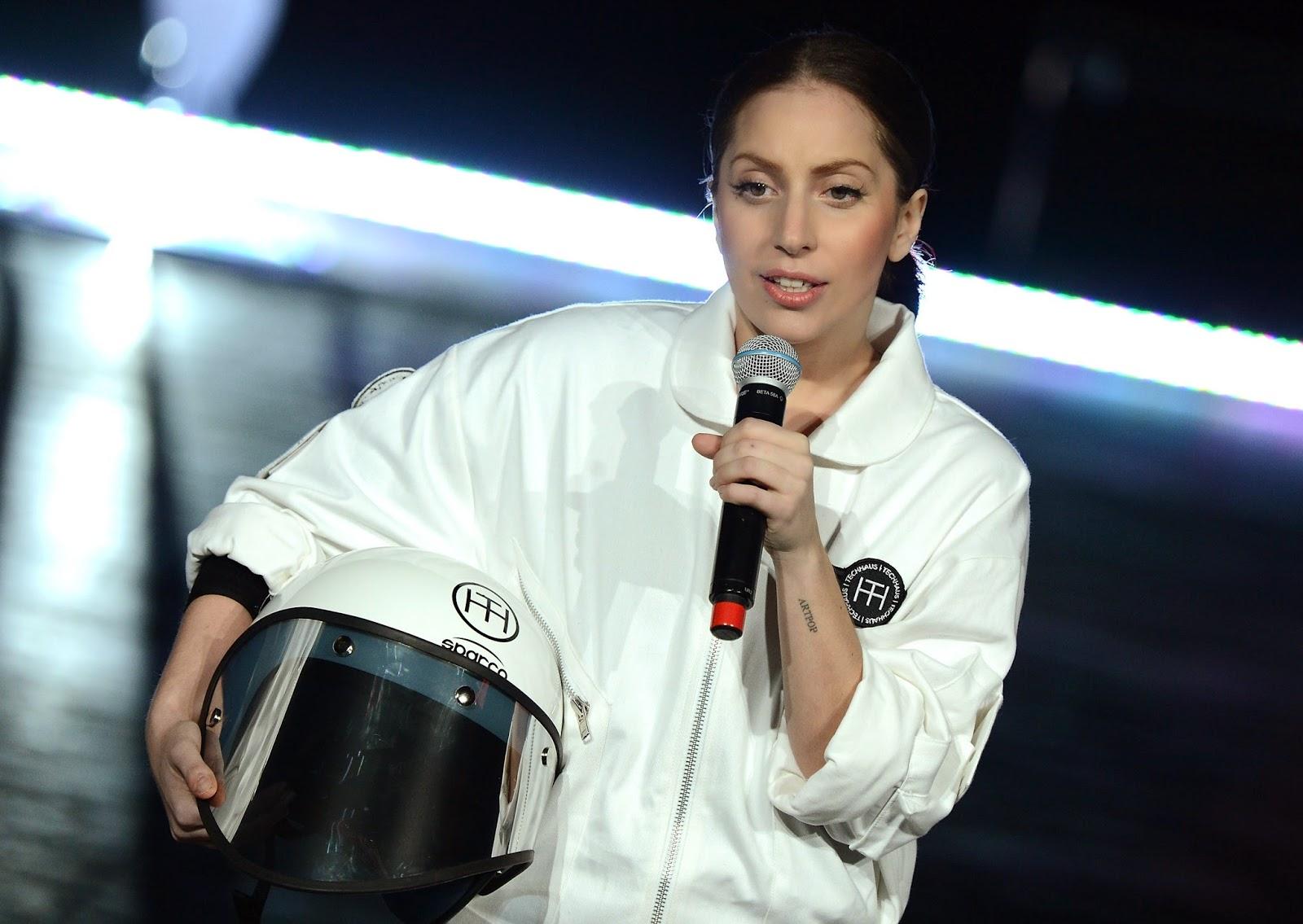 Lady Gaga en la presentación de Volantis